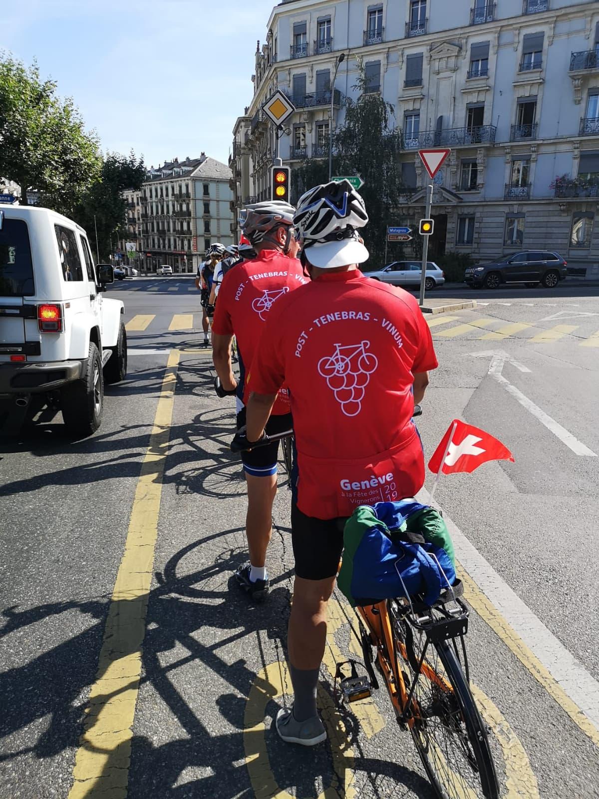 Gowri avec le drapeau suisse